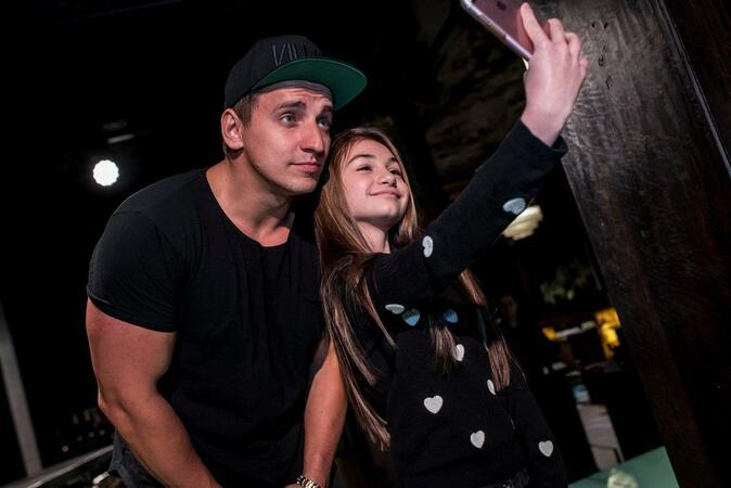 Amanda Cerny  и Vitaly Zdorovetskiy посрещнаха своите фенове в Bedroom Premium Club