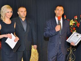 """Свилен Нейков получи наградата на """"Арена Армеец"""" за обществена сграда на годината"""